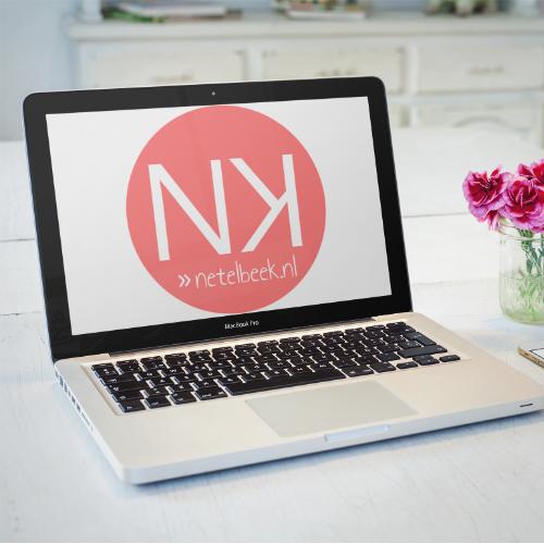 laptop met logo